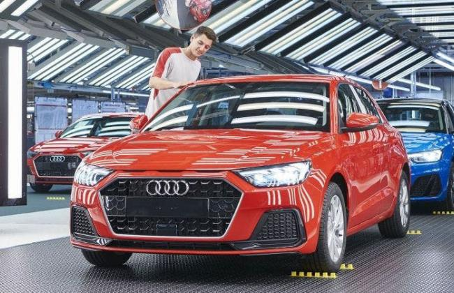 Eines controls paint quality of every Audi Q3 made in Martorell